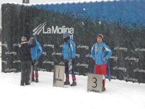 el equipo masculino en el podium