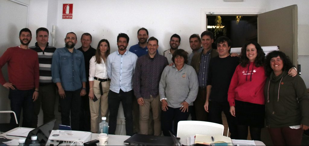 Foto de grupo de todos los participantes de las diferentes entidades involucradas en el proyecto.